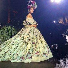 Dolce & Gabbana Alta Moda Fall Winter 2015/16 runway show. Absolutely stunning!!!
