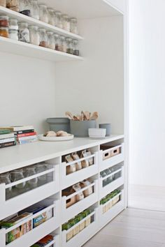 Lovely 31 Attractive Kitchen Pantry Storage Design Ideas That Looks So Awesome. Kitchen Pantry Storage, Pantry Organisation, Pantry Room, Kitchen Pantry Design, Walk In Pantry, Home Decor Kitchen, Kitchen Organization, New Kitchen, Home Kitchens