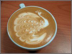 Taiwan Latte Art - Cappuccino con pavone                              …