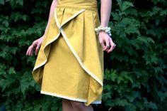 Free Knee-Length Pinwheel Skirt Pattern and Tutorial