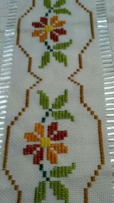 1 million+ Stunning Free Images to Use Anywhere Border Embroidery, Simple Embroidery, Hand Embroidery Patterns, Cross Stitch Embroidery, Cross Stitch Borders, Cross Stitch Flowers, Cross Stitch Designs, Cross Stitch Patterns, Chicken Scratch Patterns