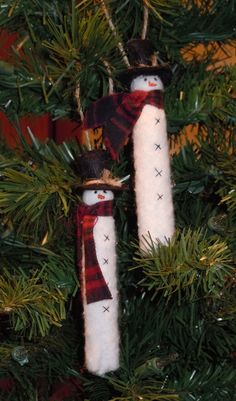 Snowman Clothespin - idea to cover clothespin with felt or batting instead of painting