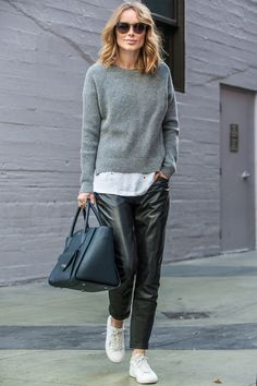fall / winter - street style - street chic style - fall outfits - casual outfits - comfy outfits - grey sweater + white t-shirt + black leather joggers + white sneakers + black sunglasses + black handbag Leather Joggers, Leather Pants Outfit, Black Leather Pants, Grey Jumper Outfit, Leather Dresses, Leather Jacket, Mode Outfits, Sport Outfits, Casual Outfits