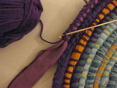 insertion de bandes de tissu au crochet pour tapis ou basket