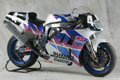 Photos: 33 Years of Suzuki Endurance Road Racing - Asphalt & Rubber Suzuki Motos, Suzuki Gsx R 750, Suzuki Motorcycle, Racing Motorcycles, Gsxr 750, Racing Team, Road Racing, Bike Photo, Sportbikes