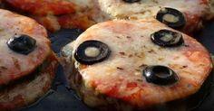 """Fabulosa receta para Pizzetas de calabacín. Sencillo y delicioso snack que seguro que no deja a nadie indiferente. Una manera sana y deliciosa de comer """"pizza"""""""