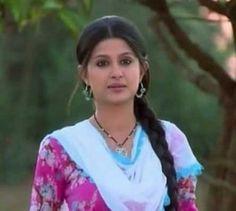 Shefali Sharma (Actress) Profile with Bio, Photos and Videos - Onenov.in