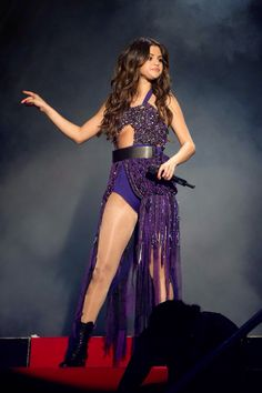 Selena Gomez Stars Dance Tour