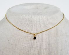 Vintage 80s Traditional Minimalist Goldtone Prong Set Onyx Black Small Pendant Curb Chain Choker Length Necklace by ThePaisleyUnicorn, $5.00