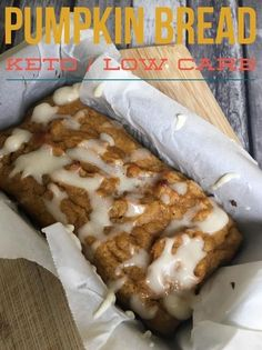 This Low Carb Keto Pumpkin Bread recipe easy to make, delicious, and full of pumpkin spice flavor. I love pumpkin flavored desserts, but th. Keto Friendly Desserts, Low Carb Desserts, Low Carb Recipes, Healthy Recipes, Chips Ahoy, Keto Foods, Keto Snacks, Whole Wheat Pumpkin Bread Recipe, Stevia