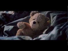 Steiff Commercial - Don't Be Afraid Of The Dark n'ayez plus peur du noir le soir dans vos chambres