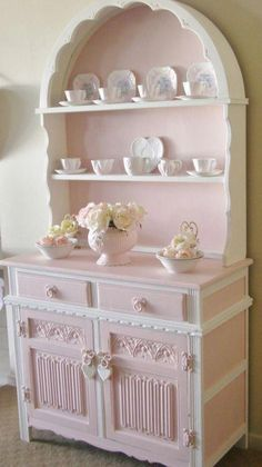 20 Shabby Chic Kitchen decor ideas for 2019 - Hike n Dip Planing to remodel your kitchen? Here is the best DIY DIY Shabby Chic Kitchen decor ideas for These Kitchen decor ideas are cute, soft and awesome. Shabby Chic Mode, Shabby Chic Pink, Shabby Chic Style, Vintage Shabby Chic, Bohemian Style, Chabby Chic, Vintage Mom, Vintage Grunge, Vintage Easter