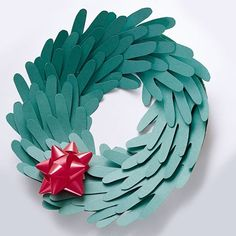 How cute would this be with baby's little hands?? Helping Hand Wreath (Directions: http://di.sn/n7J)