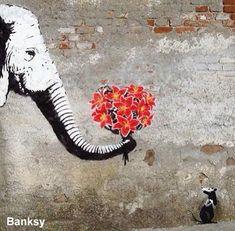 Street Art, l'art d'embellir la rue Banksy Graffiti, Banksy Artwork, Graffiti Painting, Bansky, Graffiti Artists, Graffiti Lettering, 3d Street Art, Best Street Art, Street Artists