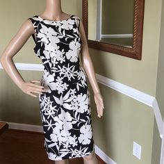 Just so classy Fully lined 109% silk great condition Donna Morgan Dresses Midi
