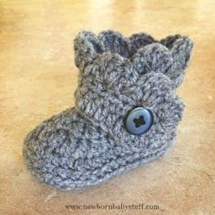 Crochet Baby Booties Bootie from this pattern: quarteredheartcro......