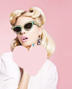 Retro inspiration. Love the light pink lip! Looks like Great Pink Planet by Lime Crime!