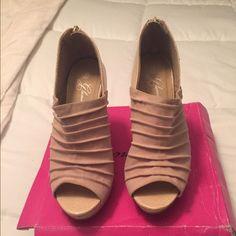 Tan Zip Up Heels Size 7