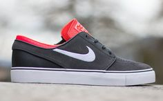 This season, you can find the Janoski in canvas but the sneaker is also making the rounds in suede. Here, we get a look at …