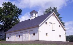 Large Barn by Yankee