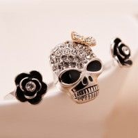 También quiero este..//Fashion Skull with Flowers Alloy Plated Gold Two Finger Adjustable Ring for Women
