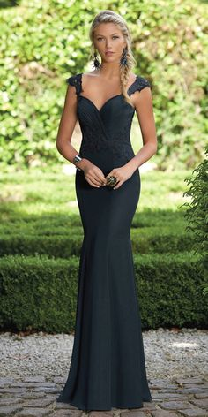 Charming Chiffon V-neck Neckline Cap Sleeves Mermaid Bridesmaid Dresses  With Lace Appliques 28382dc667a8
