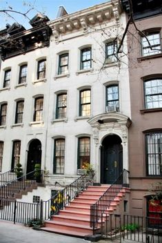 """Holly Golightly's NYC Upper East Side house from """"Breakfast at Tiffany's"""". . . and its for sale"""