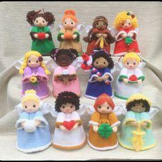 Ravelry: Birth Month Angels pattern by Lorraine Pistorio Knitted Doll Patterns, Christmas Knitting Patterns, Knitted Dolls, Crochet Patterns, Crochet Christmas, Christmas Toys, Christmas Projects, Crochet Yarn, Knitting Yarn