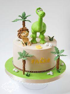 Good Dinosaur cake on Cake Central The Good Dinosaur Cake, Dino Cake, Baby Cakes, Cupcake Cakes, Amazing Cakes, Beautiful Cakes, Dinasour Cake, Arlo Und Spot, Dinosaur Birthday Cakes