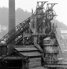 Das Hüttenwerk in Longwy Senelle (Frankreich/Lothringen) während der Abbrucharbeiten. Die Region, in der bis vor wenigen Jahren noch Eisenerz geförd...