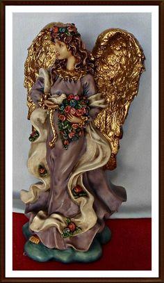 ANJO DA PAZ Angel Statues, Atrium, Christmas Angels, Decoupage, Diy And Crafts, Lion Sculpture, Santa, Vintage, Craft Ideas