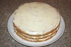 Mandľovo - karamelová torta s banánmi, recept, Torty | Tortyodmamy.sk Vanilla Cake, Desserts, Food, Mascarpone, Vanilla Sponge Cake, Meal, Deserts, Essen, Hoods