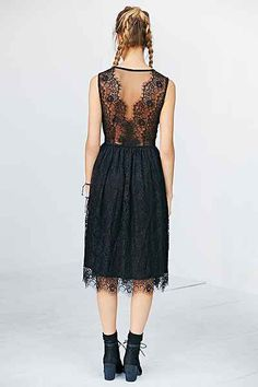 great lace back on this dress!