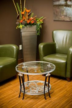 Trim elegant and gorgeously sustainable this coffee table is built entirely from bicycle parts. Decor, Furniture, Bicycle Decor, Handmade Furniture, Coffee Table Design, Recycled Furniture, Coffee Table, Metal Furniture, Home Decor Furniture