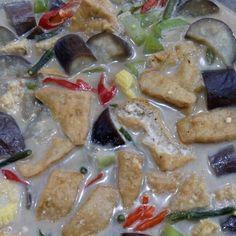 resep sayur lodeh instagram Fried Banana Recipes, Fried Bananas, Meal Prep Plans, Nasi Lemak, Food Combining, Indonesian Food, Indonesian Recipes, Naan, Fish And Seafood