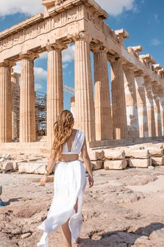 Persephone is the Goddess of flowers, she's smart and adorable and probably only wears pastel and at the same time she's queen of hell and if that's not life goals I don't now what is #greekgoddess ✨ wearetravelgirls#travelgram#dametraveler#acropolis#americanstyle#greece#griechenland#athens#athen#topathensphoto#topgreecephoto#sheisnotlost#travelphotography#blondesandcookies#blogger#blogger_de#germanblogger#tumblrgirl#tumblr#asosdress#ootd#potd#femmetravel#