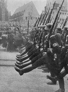 La Leibstandarte Adolf Hitler, sur le Reichsführer SS Heinrich Himmler, avant que les dirigeants Wow, regarder cette ...