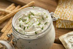 Acompaña tus platillos favoritos con un delicioso dip de cilantro y jalapeño, preparado con el inconfundible sabor de Queso Crema Philadelphia.