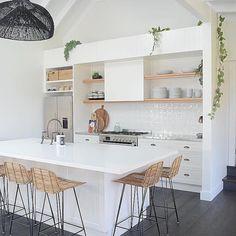 minimal scandi kitchen of dreams! Rustic Kitchen Design, Home Decor Kitchen, Interior Design Kitchen, New Kitchen, Kitchen Dining, Kitchen Worktop, Beach House Kitchens, Home Kitchens, Coastal Kitchens