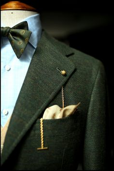 """Green Orazio Luciano sport coat in Armoury cut. featuring the gold Longevity lapel chain Liverano shirt Drake's bow tie The Armoury camelhair waistcoat Tieyourtie hank Ambrosi trouser """""""
