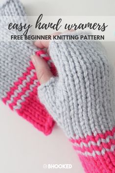 Simple and Easy Knit Hand Warmers. Click through for the free pattern & video tutorial! Simple and Easy Knit Hand Warmers. Click through for the free pattern & video tutorial! Beginner Knitting Patterns, Hand Knitting, Simple Knitting Projects, Knitting Tutorials, Knitting Machine, Vintage Knitting, Easy Knitting Ideas, All Free Knitting, Loom Knitting For Beginners