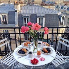 Sunday brunch......in Paris
