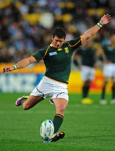 Morne Steyn - Great kicker South African Rugby Players, International Rugby, Australian Football, World Rugby, Beefy Men, All Blacks, Rugby League, African History, Kicks