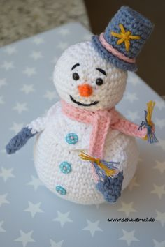 Crochet snowman container needs translation Diy Crochet Amigurumi, Crochet Snowman, Crochet Diy, Amigurumi Patterns, Amigurumi Doll, Crochet Crafts, Yarn Crafts, Crochet Projects, Diy And Crafts