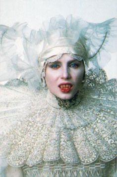 """Sadie Frost in """"Bram Stoker's Dracula"""" (1992). DIRECTOR: Francis Ford Coppola."""