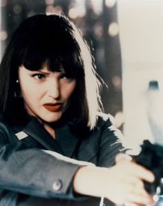 Miranda Richardson in The Crying Game - British actress. British Actresses, Actors & Actresses, Miranda Richardson, Rupert Graves, Jeremy Irons, Cinema, Oscar Winners, Moving Pictures, Arts And Entertainment