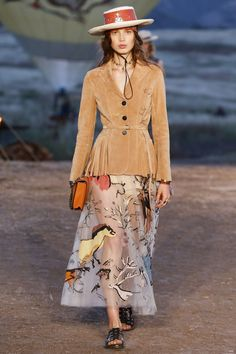 Christian Dior Spring/Summer 2018 Resort - Christian Dior Spring/Summer 2018 Resort | Resorts, Christian dior ...