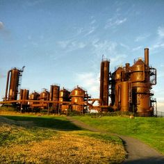 Gas Works Park - gas works is an awesome historical park that still has most of the old gas refinery equipment there, but the best part is the view of South Lake Union and downtown Seattle