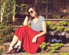 Look ladylike moderna| Saia midi e listras