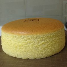 japanese cotton cheesecake 3 cakes different temperatures timing different results – Artofit Japanese Cotton Cheesecake, Japanese Cheesecake Recipes, Jiggly Cheesecake, Healthy Cheesecake, Light Cheesecake, Fluffy Cheesecake, Cotton Candy Cakes, Cotton Cake, Sponge Cake Recipes